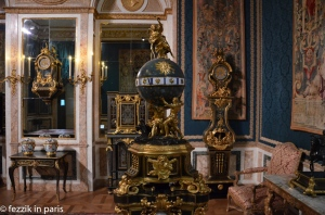 A timepiece from the Louis XIV - Louis XVI rooms.