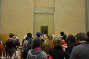 People with cellphones aka The Mona Lisa