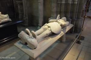The sculpture from one of the many (empty) cadaver tombs.