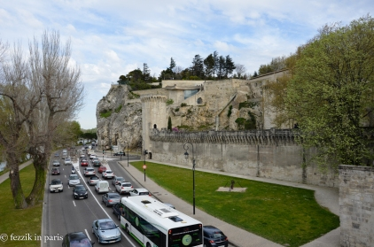 It makes sense that one would build a walled, high-value, river-controlling city on an imposing limestone outcrop.