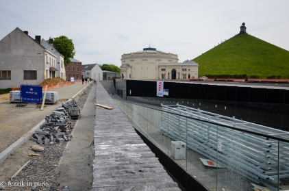 This is supposed to be finished in time for the 200 year fête that's taking place between the 18th and 21st of June. I wonder what the delayed completion fees are when you manage to ruin something's bicentennial.