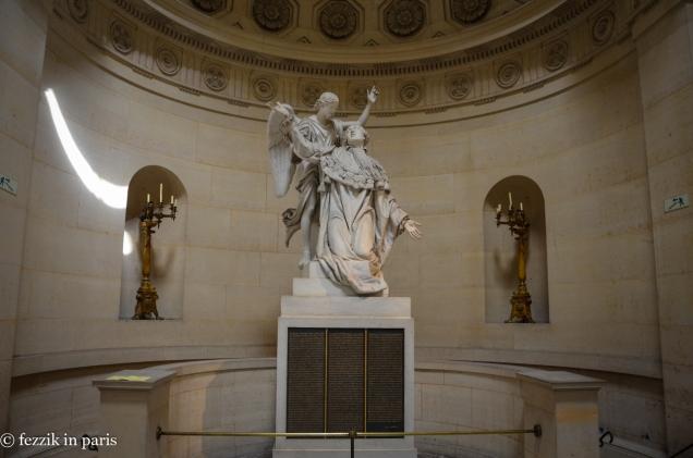 A statue of Louis XVI.