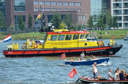 The waterway was not shut down; tugs ran interference for the cargo boats just trying to get through.