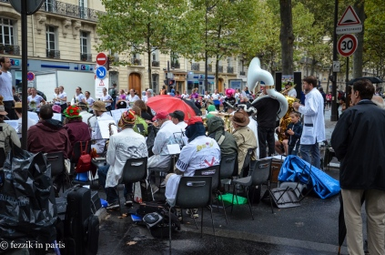 The band playing. (Per their sign, they're the science faculty band of the University of Paris South).