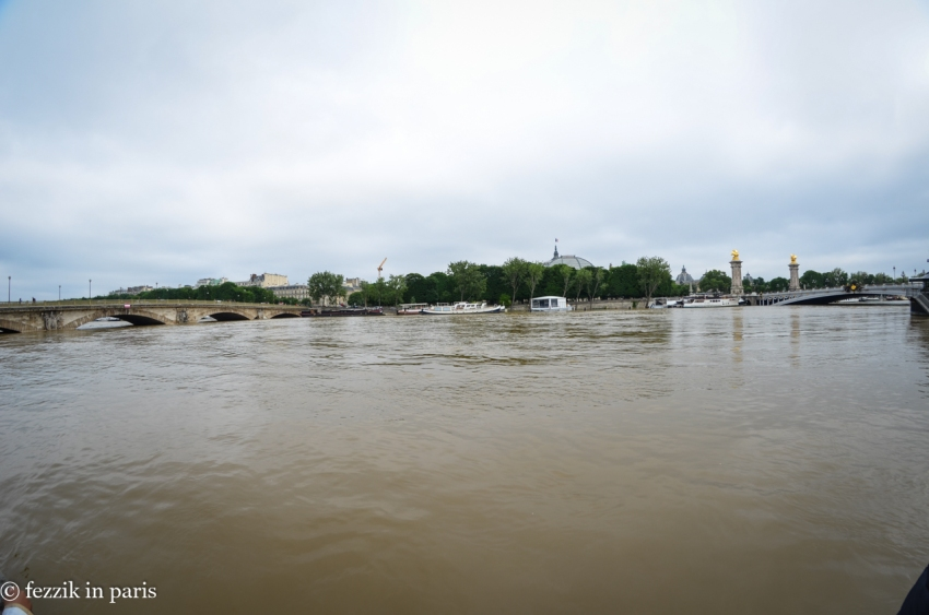 The section between Pont des Invalides and Pont Alexandre III.