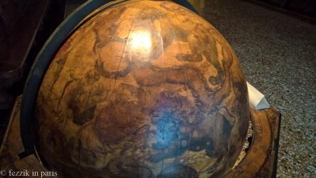 Have a globe? Slap a lion on that shit.