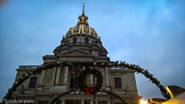 Les invalides, looking both festive and majestic. (Also, marché de noël)