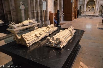 Charles V (black plinth, left) and Jeanne de Bourbon.