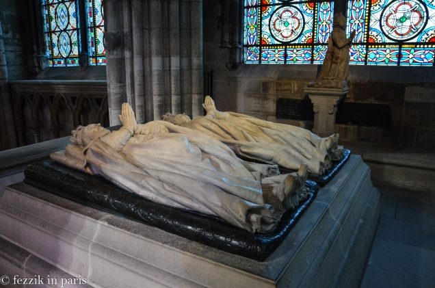 I don't know why there's another copy of Henri II and Catherine de Medicis. The non-tomb version is seen here.