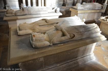 Jeanne de France (bottom) and Blanche de Navarre.