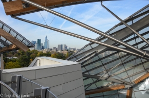 La défense as seen through the roof of Fondation Louis Vuitton.